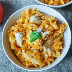 Pasta with Tomato-Vodka Sauce & Chicken